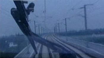 Video : China claims train sets new speed record
