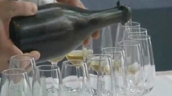 Video : Champagne found on sea bottom after 200 years