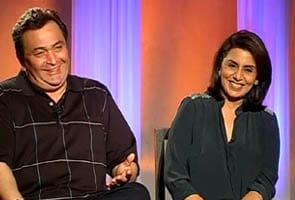 Video : Rishi, Neetu on sharing screen after 30 years