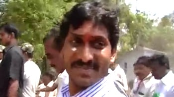 Video : Jagan defies Congress, to go ahead with yatra