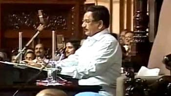 Video : Ahead of floor test, Karnataka Speaker disqualifies rebel MLAs