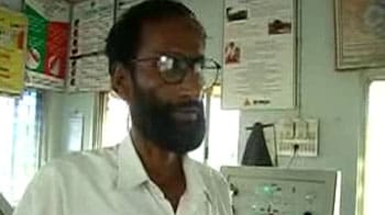 Video : Bengal train accident: Station master tried to alert driver