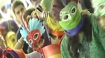 Video : Hundreds march in Delhi's gay parade