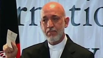 Video : Karzai tearful as bombing kills Afghan official