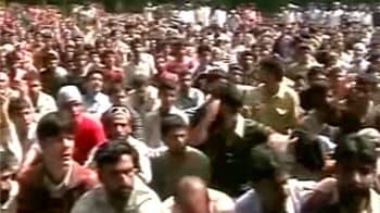 Video : Kashmir tense after 2 more civilian deaths