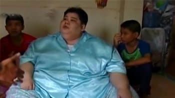 Video : 603-pound Thai woman leaves home after 3 years