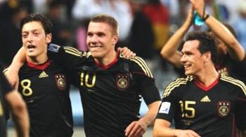 Video : Germany thrash Argentina to reach semis