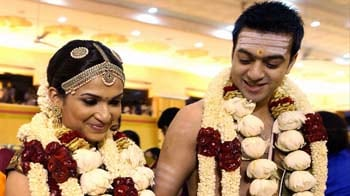 Video : Super-starry wedding for Rajinikanth's daughter