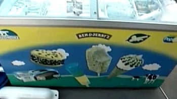 Video : Beating the summer with an ice cream boat
