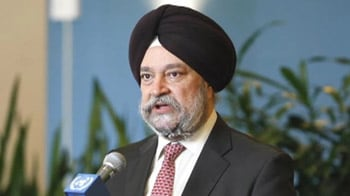 Video : Indian envoy asked to remove turban in US
