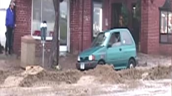 Videos : Storm in California causes hillside collapse, floods