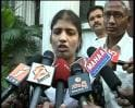 Video : Woman cop quits over lathi-charge on students