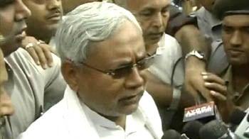 Video : Lalu a habitual law-breaker, says Nitish