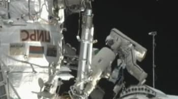 Video : Russians spacewalking to repair ISS laboratory