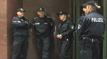 Video : Hamburg mosque used by 9/11 plotters is shuttered