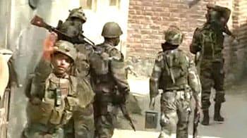 Video : Encounter with militants on near Srinagar