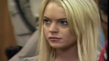 Video : Lindsay Lohan begins her jail term