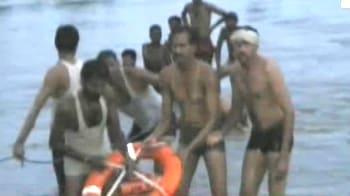 Video : Bus falls in river in Madhya Pradesh