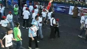 Video : मुंबई मैराथन में हजारों ने लगाई दौड़