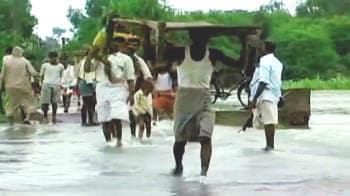 Videos : नदियों में उफान, तबाही का मंजर
