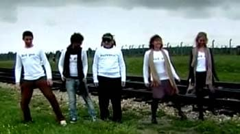 Video : Holocaust survival dance stirs controversy