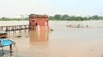 Video : Flood threat looms large as Yamuna continues to rise