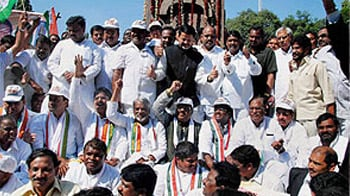 Video : Telangana factor prompts the Congress to fast