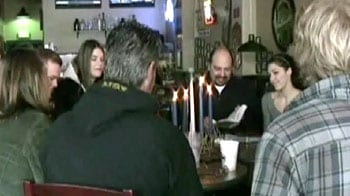 Video : Church holds services in local bar