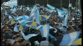 Video : FIFA: Argentine team gets mixed response at home