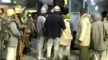 Videos : गाजीपुर में भीड़ ने दारोगा की जान ली