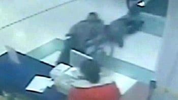 Video : Wheelchair flung from travelator