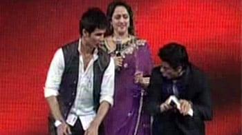 Video : बॉलीवुड सुंदरियों को नचाया शाहरुख ने...