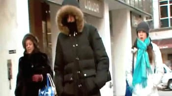 Video : Freezing weather throws Washington, New York out of gear