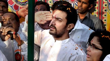 Aamir celebrates Republic Day at Dhobi Ghat