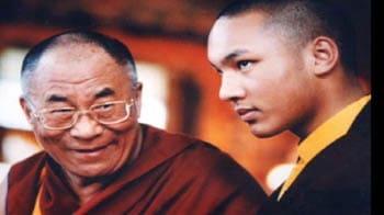 Videos : दलाई लामा ने किया करमापा का बचाव