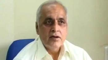 Video : Adarsh scam: CBI raids officials named in FIR