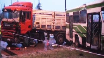 Video : CCTV footage of bus collision