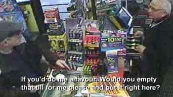 Video : 'I am robbing you, sir', said polite robber