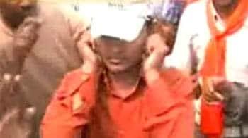 Video : कानपुर में बजरंगियों का उत्पात