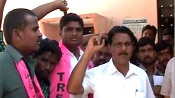 Video : Fight for Telangana: Over 2 lakh govt employees boycott work