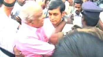 Video : Andhra Pradesh: MLA manhandled by Telangana leaders