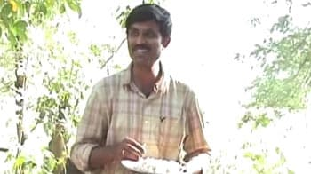 Video : Hostage crisis ends, Naxals release collector Krishna