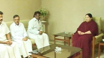 Video : Jayalalithaa\'s poll pact with Vijayakanth