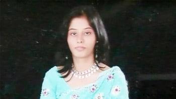 Video : Radhika's family recognises stalker