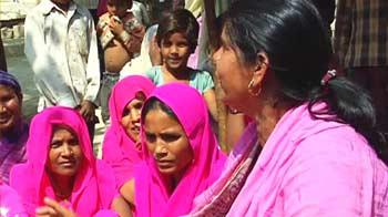 Video : Bundelkhand's Pink Sari gang