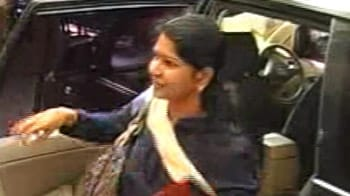 Video : 2G scam: Kanimozhi, stepmother interrogated by CBI