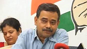 Video : It's official: Pranab's son, Avijit, joins Congress