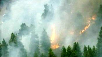 Video : Wildfire engulfs 1,600 acres in Denver