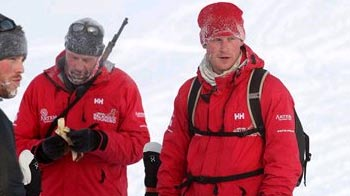 Video : Prince Harry trains for hike to North Pole
