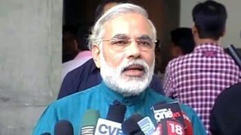 Video : Narendra Modi congratulates Team India